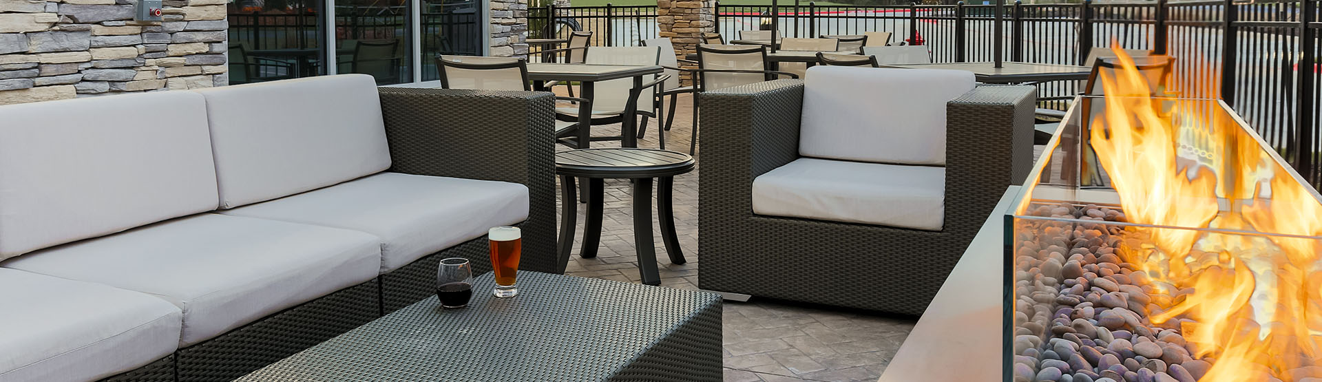 Hotel patio loung furniture with firepit